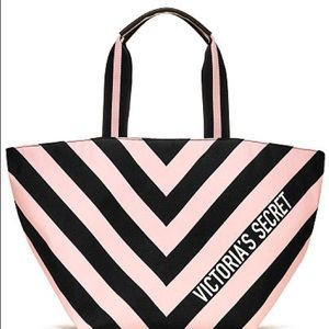 NWT VICTORIA SECRET V-STRIPED TOTE